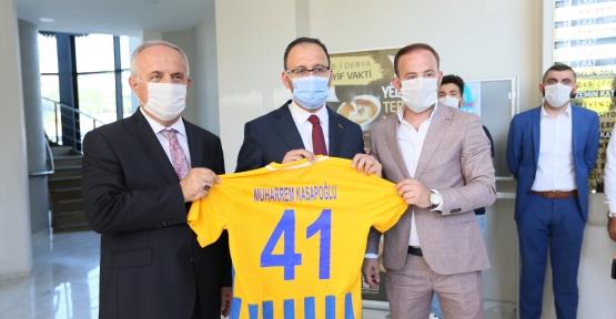 BAKAN KASAPOĞLU B. DERİNCESPOR'A BAŞARILAR DİLEDİ