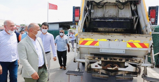 Çöp Kamyonlarına 'Koku' Önlemi