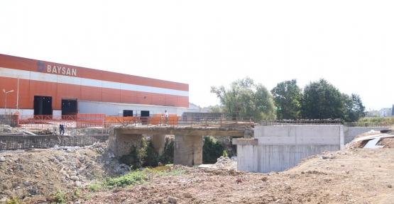Kartepe'de İnşa Edilen Modern Köprü Şekillenmeye Başladı