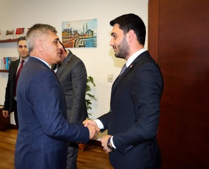 Başkan Yardımcısı ve Oğlu da Kovid Oldu