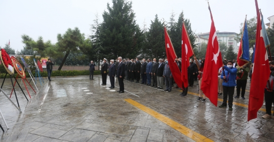 Derince'de Atatürk Saygı ile Anıldı