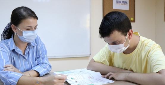 Özel Öğrenciler E-KPSS'ye Hazırlanıyor