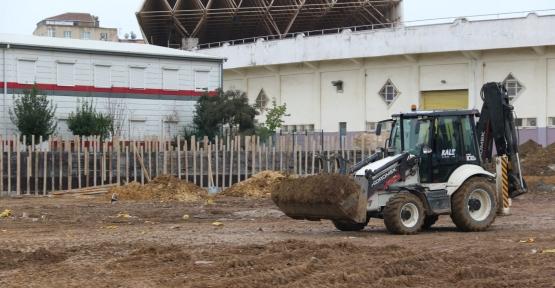 Gebze'nin Yeni Futbol Sahasında Yoğun Çalışma