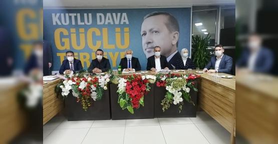 Ak Parti'de Tuna Yönetimini Topladı