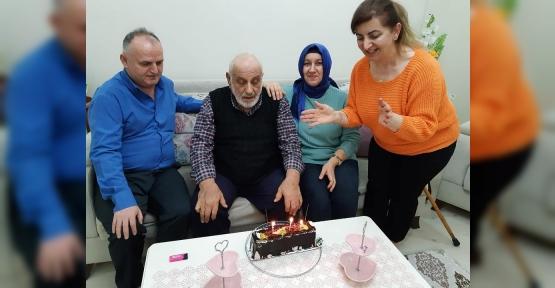 İsrafil Dede, 89. Yaşını Pasta İle Kutladılar