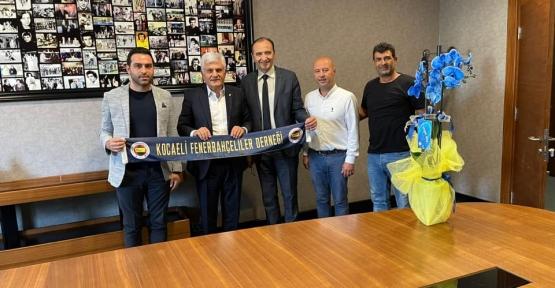 Fenerbahçeliler Kulüp Binasında Toplantıda