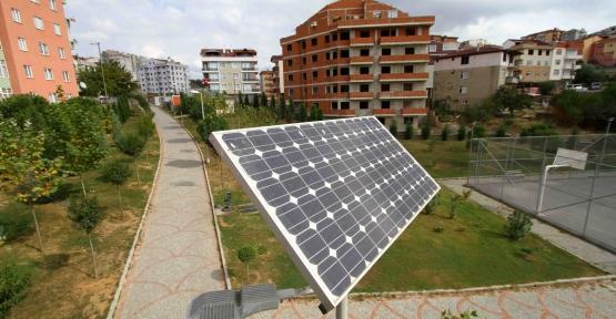 42 bin metrekarelik parkı güneş enerjisi aydınlatıyor