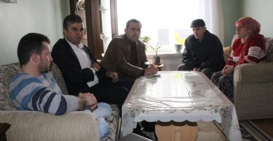 Ak Parti Gölcük Engellileri ziyaret ediyor