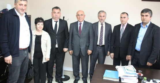 AK Parti Gölcük İlçe Başkanı Sedat Yücel ve Parti heyeti Kocaeli İl Emniyet Müdür Yardımcısı Bilal Boğazı ziyaret etti