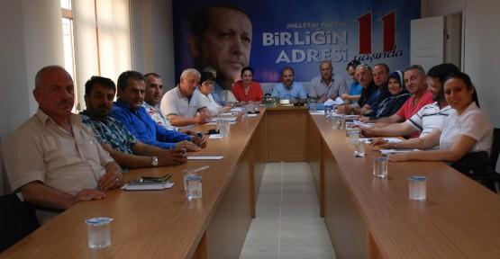 AK Partililerden 'Başbakan selamı'