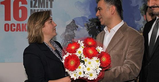 """Gönül; """"Belediyeciliğe Mimar ve Kadın Eli Değecek"""""""