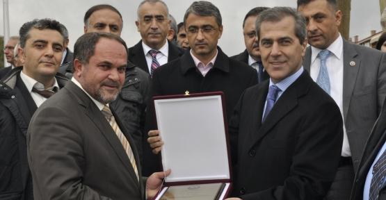 Azeri Cumhurbaşkanı Yardımcısından teşekkür