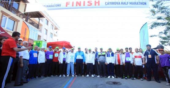 Başkan Çayırova Maratonu'na katıldı