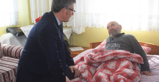 Başkan Mehmet Ellibeş  hasta ziyaretinde