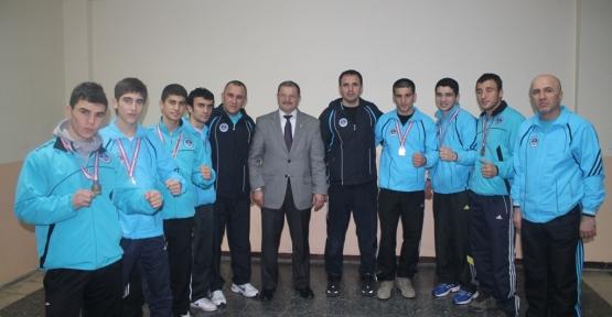 Boksörlerden Türkiye Şampiyonasında 7 madalya