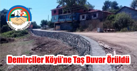 Demirciler Köyü'ne taş duvar örüldü