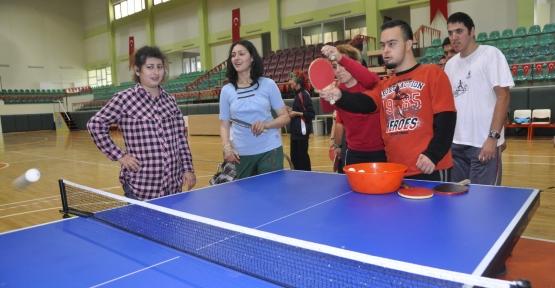 EYDEM'li öğrencilerin masa tenisi keyfi