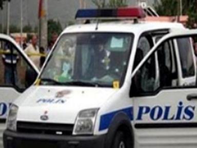 Gebze'de polis ekibine saldırı