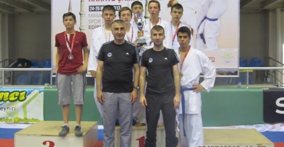 Genç Karateciler, Türkiye üçüncüsü oldu