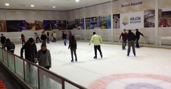 Gölcük Belediyesi Buz Paten Pisti Yaz sezonuna hazır