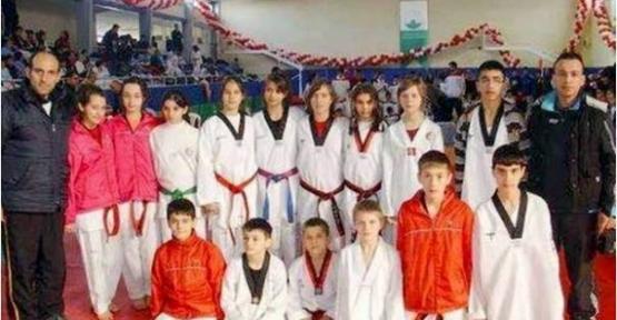 Gölcük'lü  Taekwondocular Eskişehir'e uğurlandı