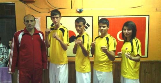 Gölcük'lü  Taekwondocular İzmir Yolcusu