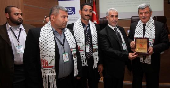 Kardeş Filistin halkının yanındayız