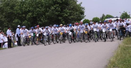 Kartepe'de Gençlik Haftası Bisiklet Yarışları Yapıldı