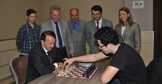 Kartepeli Öğrenciler Satranç Turnuvası'nda Buluştu
