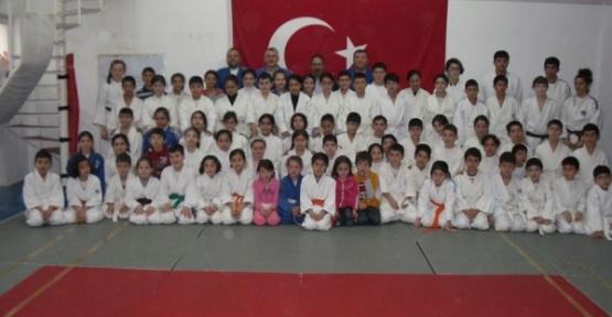 Minik Judocular ortak kampta buluştu