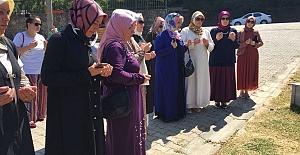 17 Ağustos Şehitlerini  Mezarları Başında Andılar