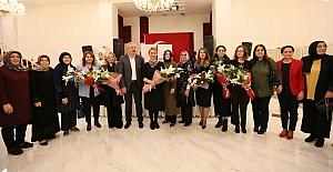 Derince'de Kadının Siyasetteki Yeri Konuşuldu