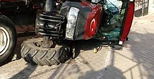 3 Yaşındaki Çocuk  Traktör Altında Öldü