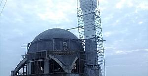 Otoban Üstü Camii'nin  minaresi tamamlandı