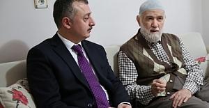 Erdoğanın Hocasını Ziyaret Etti