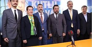 İYİ Partili İlçe Başkanı AK Partiye...