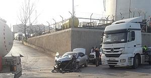 TANKERLE OTOMOBİL ÇARPIŞTI..!
