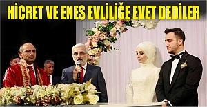 """Hicret ve Enes, Evliliğe  """"Evet"""" Dediler"""