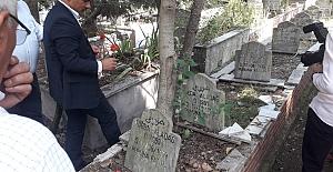 Deprem Şehitlerinin Mezarını Belediye...