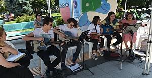 Popüler Gitar İzmit'te Ses Buldu