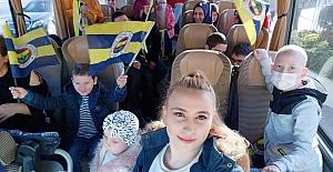 Fenerbahçeli Futbolculardan Miniklere Moral Desteği