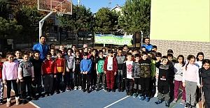 Kocaeli'de Binlerce Çocuk Sporla Geleceğe...