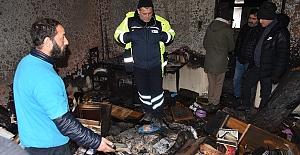"""Yangın Mağduru Vatandaşa İzmit Belediyesinden Destek  """"Her Zaman Yanınızdayız"""""""