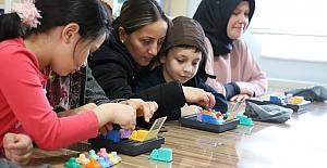 Annelere Akıl Oyunları Eğitimi