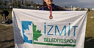 Atletizmde İzmit Belediyespor Rüzgârı