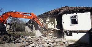 Körfez#039;de Orta Hasarlı 5 Bina...