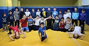 Ücretsiz Spor Okulları Ata Sporu...