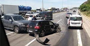 TEM'de Kaza: 3'ü Ağır 7 Yaralı