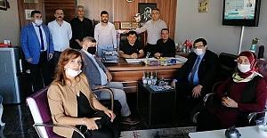 Gelecek Yönetiminden  Metin Özkan'a Kutlama