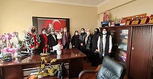 AK Partili Kadınlardan Kurta Tebrik...